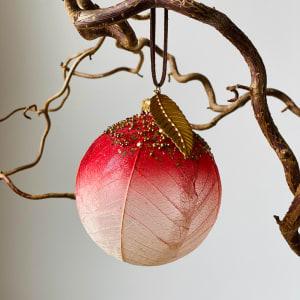 UND Julekule Glass Rød Blad