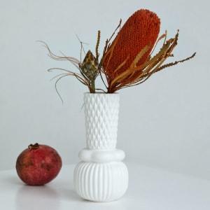 Dottir Samsurium Honkabell Vase White