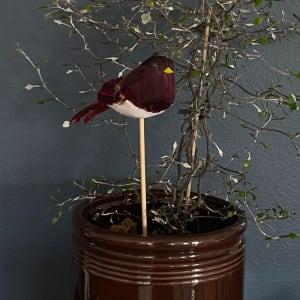 UND Småfugl på pinne Vinrød