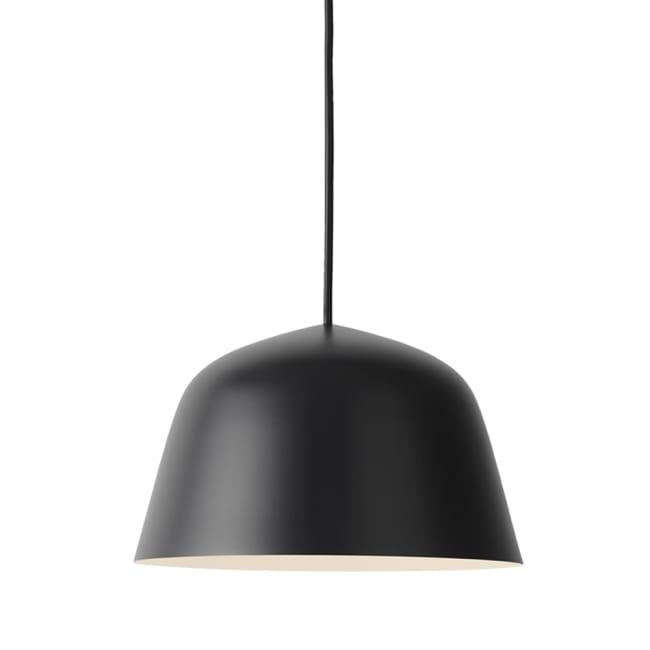 svart lamper