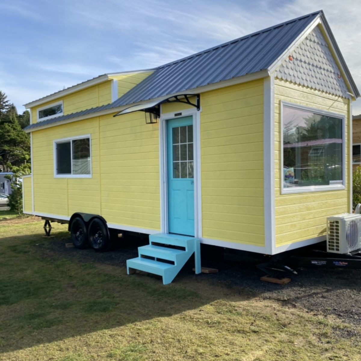 Spacious and Luxurious Tiny Homes: Bay Cottage and Tiny Victorian - Tiny  House for Rent in Pacifica, California - Tiny House Listings