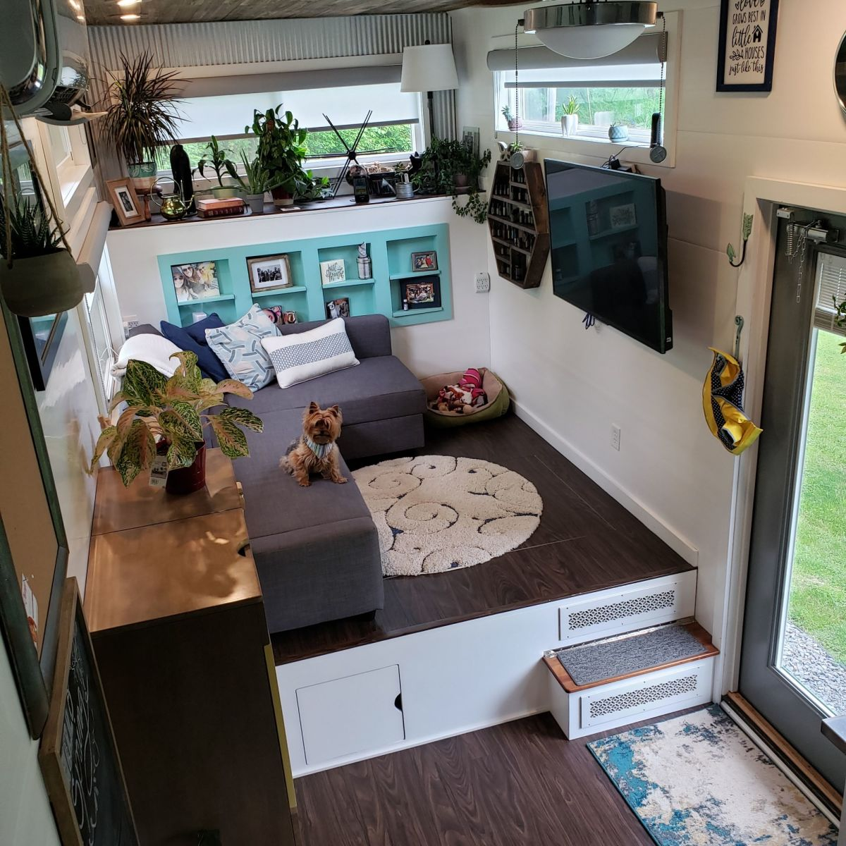Large Modern Cozy Tiny Home With Rooftop Deck!