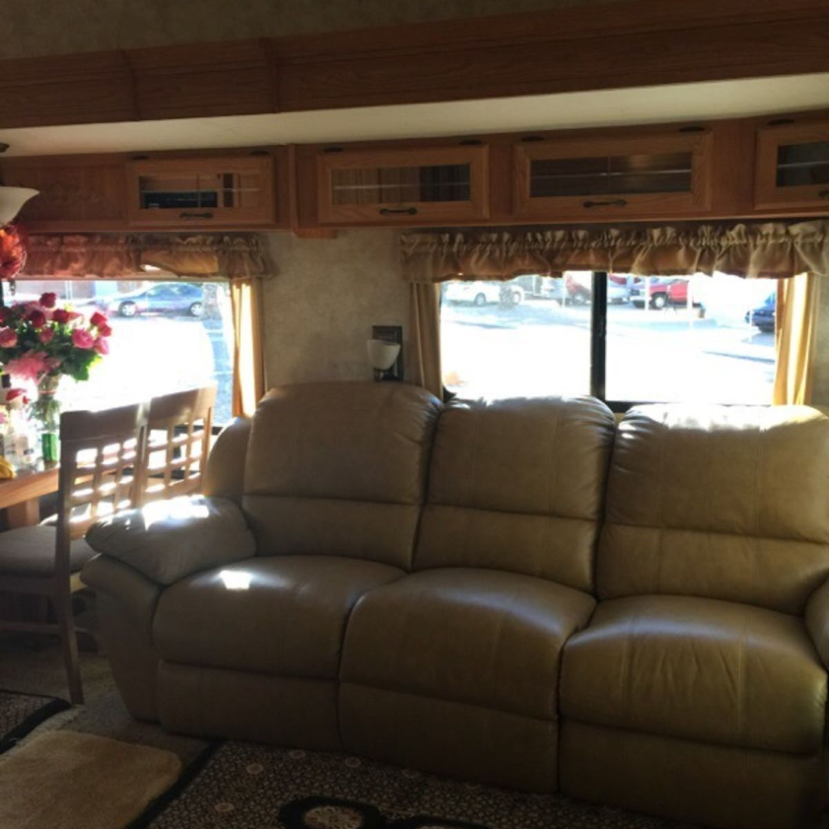 5th Wheel Trailer 2 Beds