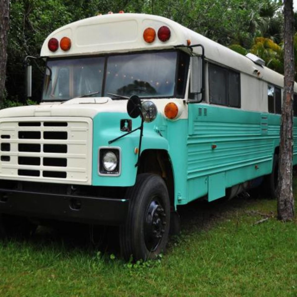 1981 Converted School Bus For Sale - Tiny House for Sale in Okeechobee,  Florida - Tiny House Listings