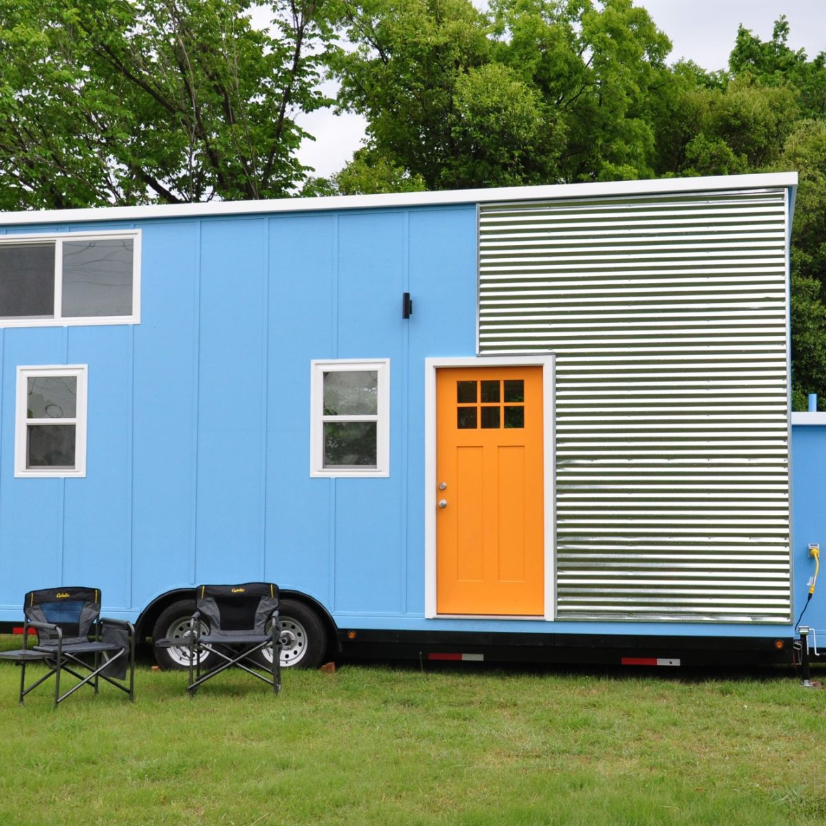 Baby Blue 24 Weighs Only 6 280lbs Tiny House For
