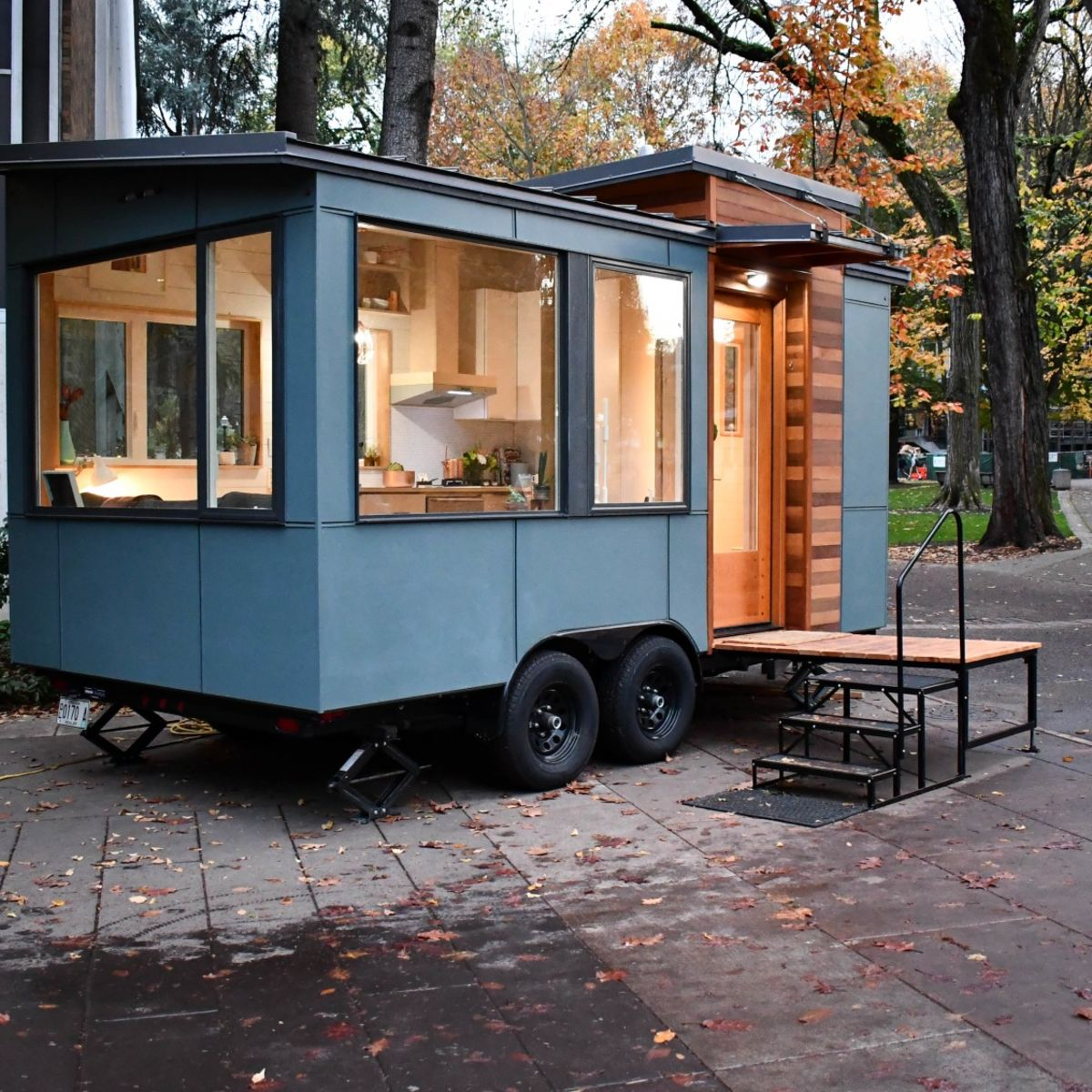 Modern Tiny House Cabin: Small Modern Tiny House On Wheels