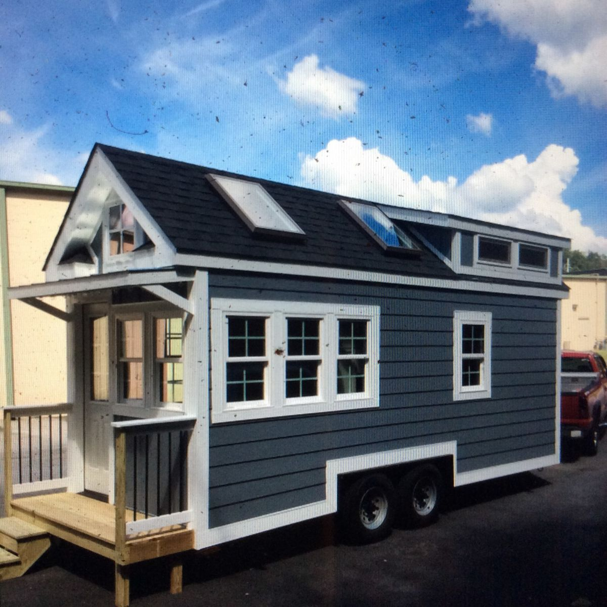 Beautifully Constructed 20 Foot Craftsman Tiny House Model