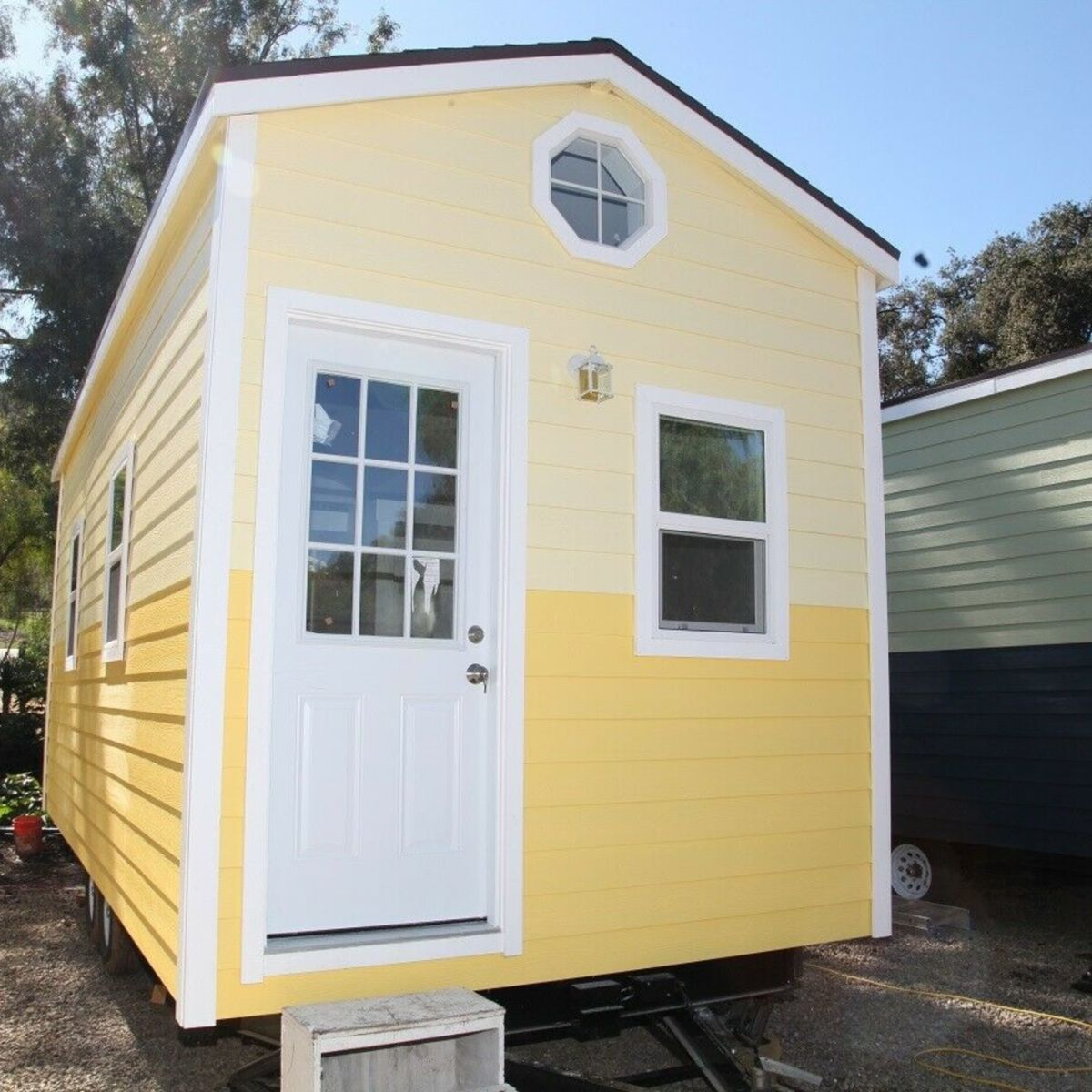 29 x 29 Classic bungalow single loft 29 sq ft Tiny House - Tiny House for  Sale in San Diego, California - Tiny House Listings