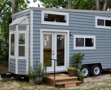 luxurious and splendid tiny house rv. Functional Tiny House lake house  for Sale in Soso Mississippi
