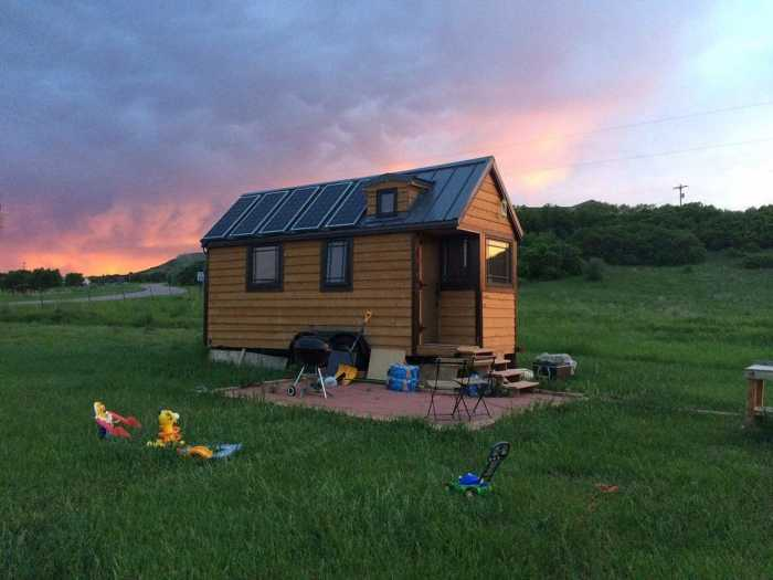 Solar Powered Tiny House On Wheels - Tiny House For Sale In Castle