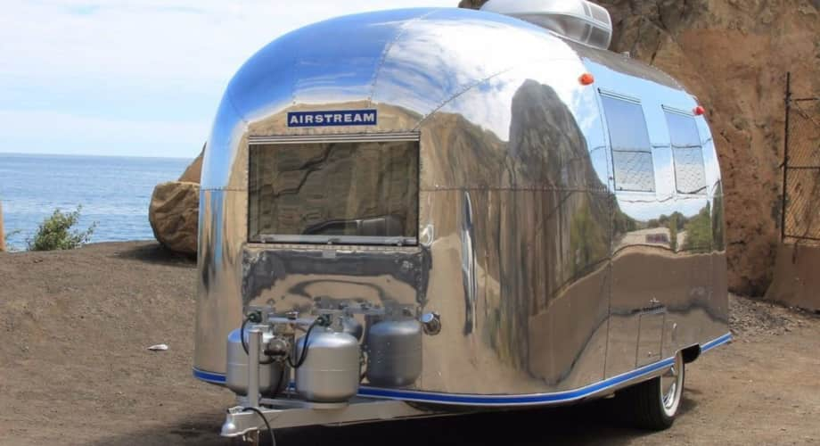 priced to sell tiny 1967 airstream caravel 17 feet vintage original restored travel trailer. Black Bedroom Furniture Sets. Home Design Ideas