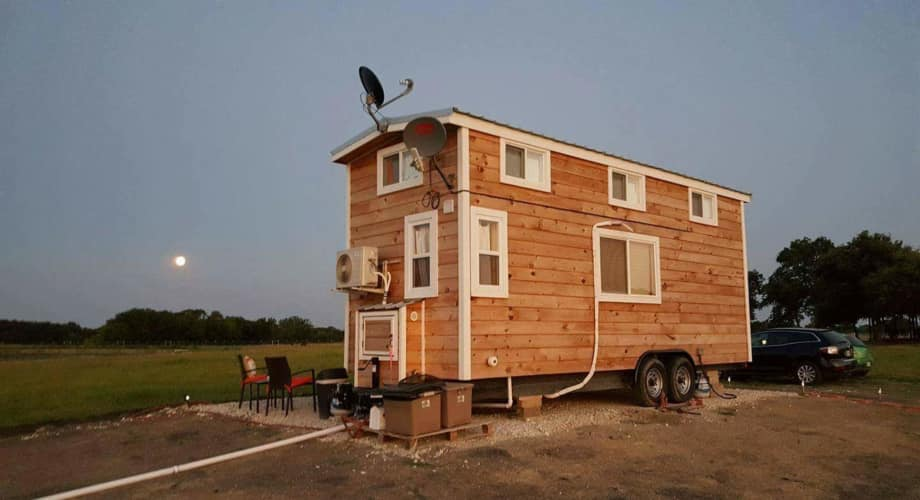 Hgtv Featured Tiny House On Wheels In Dfw 24x8x13 Price