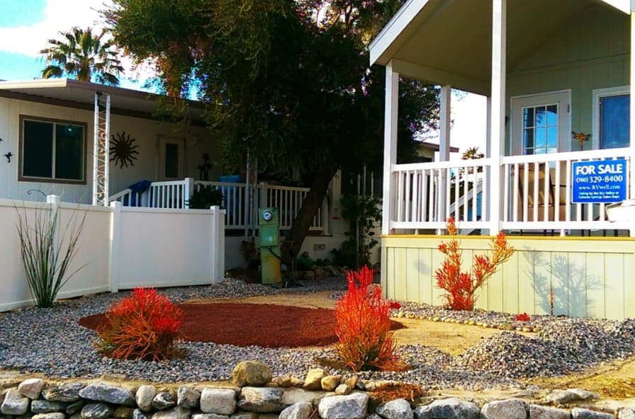North Palm Springs Well Maintained 2008 Park Model in gated resort - Tiny  House for Sale in Desert Hot Springs, California - Tiny House Listings