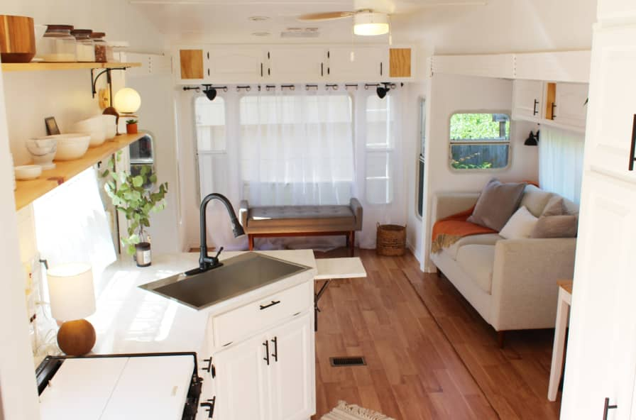 Completely Remodeled 2003 Cedar Creek 36rlts Fifth Wheel Trailer Gooseneck With 3 Slide Outs And Room For Kids Or Office Rv For Sale In Edmond Oklahoma Tiny House Listings