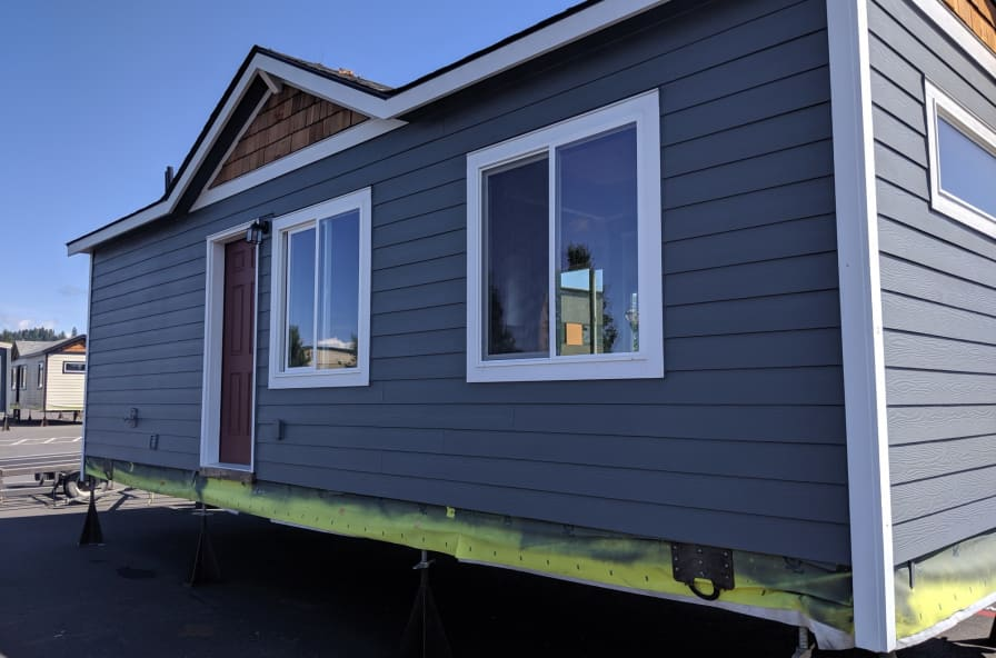 Stupendous Beautiful Prefab Tiny Home Discounted Show Model Tiny House For Sale In Battle Ground Washington Tiny House Listings Interior Design Ideas Jittwwsoteloinfo