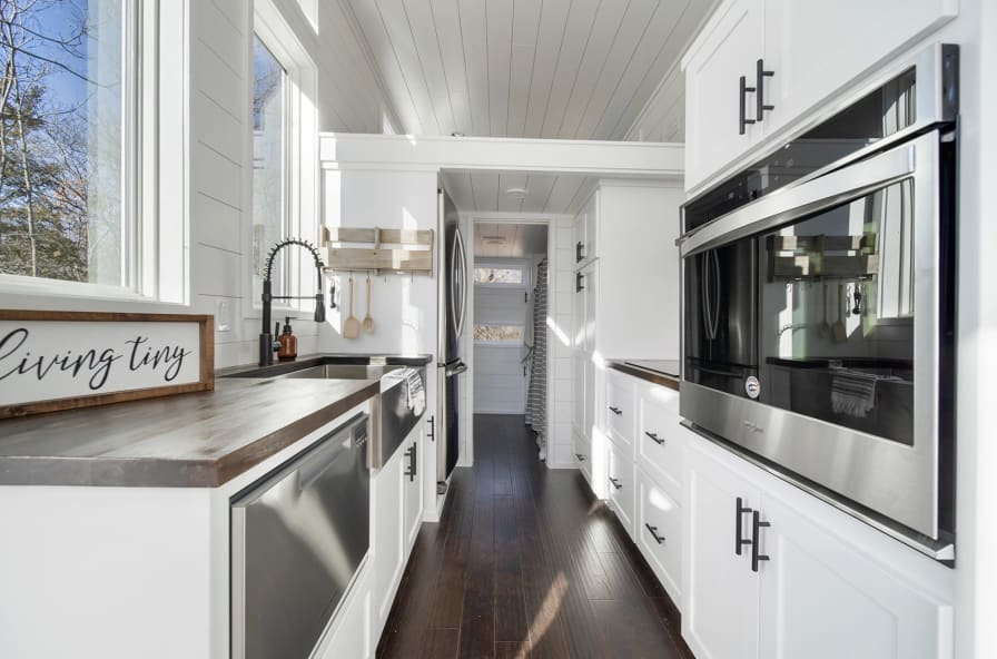 Stupendous Lifestyle Tiny Home Tiny House For Sale In Claremore Oklahoma Tiny House Listings Home Interior And Landscaping Oversignezvosmurscom