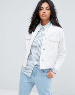 newest 55cec b9647 So stylen wir weiße Jeansjacken jetzt