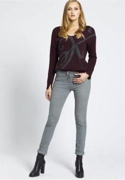 Graue Jeans Stylen So Stylst Du Graue Jeans Richtig