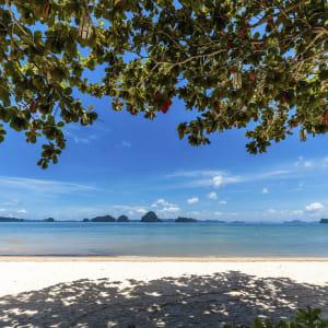 Ayutthaya & Mae Klong ab Bangkok: beach: Krabi Tup Kaek Sunset Beach Resort Strand