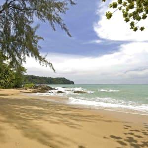 Ayutthaya & Mae Klong ab Bangkok: beach: Thailand Moracea by Khao Lak Resort Strand