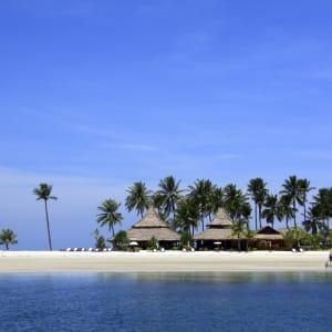 Ayutthaya & Mae Klong ab Bangkok: beach: Thailand Sivalai Beach Resort Strand