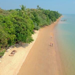 Ayutthaya & Mae Klong ab Bangkok: beach: Thailand The Pavilions Anana Krabi Strand
