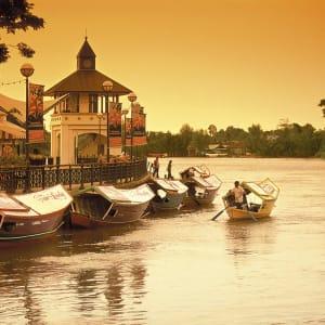 Höhepunkte Borneos ab Kuching: Borneo Sarawak Kuching Waterfront