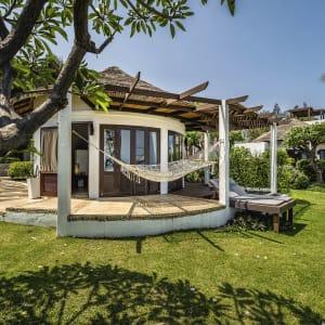 Ayutthaya & Mae Klong ab Bangkok: exterior: Hua Hin Aleenta Hua Hin Pranburi Pool Residence