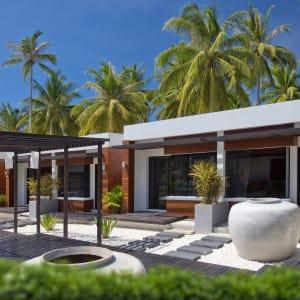Ayutthaya & Mae Klong ab Bangkok: exterior: Thailand Aava Resort & Spa Deluxe Bungalow