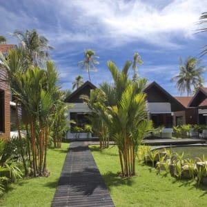 Ayutthaya & Mae Klong ab Bangkok: exterior: Thailand Aava Resort & Spa Superior Bungalow