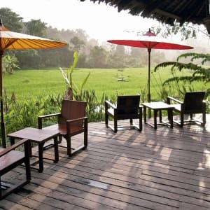Ayutthaya & Mae Klong ab Bangkok: exterior: Thailand Fern Resort Terrasse