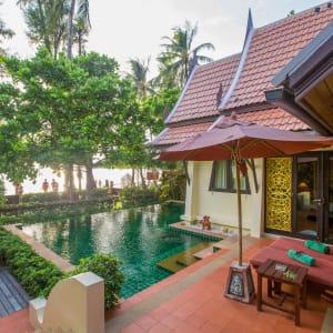 Ayutthaya & Mae Klong ab Bangkok: exterior: Thailand Ko Chang Paradise Resort & Spa Beach Front Pool Villa