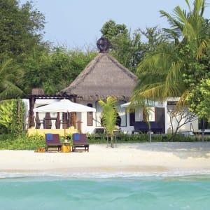 Ayutthaya & Mae Klong ab Bangkok: exterior: Thailand Paradee Resort and Spa Beach Villa