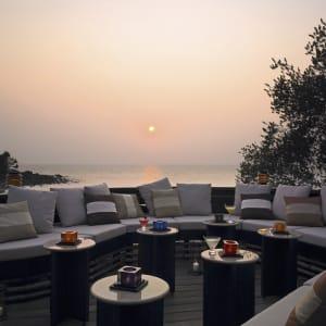 Ayutthaya & Mae Klong ab Bangkok: exterior: Thailand Paradee Resort and Spa Terrasse
