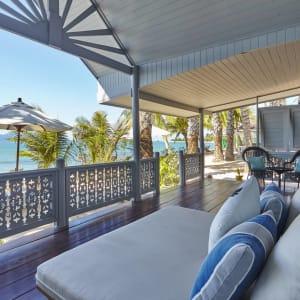 Ayutthaya & Mae Klong ab Bangkok: exterior: Thailand Paradise Beach Resort Samui Beachfront Villa Balcony