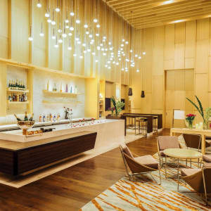 AVANI+ Riverside Bangkok Hotel:  Bangkok AVANI+ Riverside Bangkok Hotel Long Bar