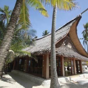 Coco Grove Beach Resort in Siquijor:  Coco Grove Beach Resort Restaurant