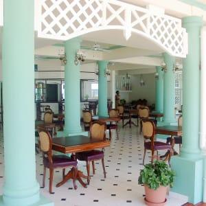 Palm Beach Hotel in Praslin:  Seychellen Palm Beach Hotel Restaurant