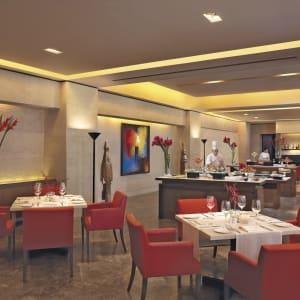 The Oberoi Mumbai:  The Oberoi Mumbai Restaurant