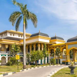 Überlandreise Sumatra ab Medan: Indonesien Sumatra Medan Sultanspalast