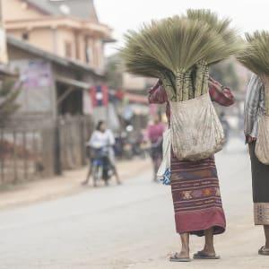 Natur Pur im Norden von Vietnam und Laos ab Hanoi: Laos Oudomxay Frauen