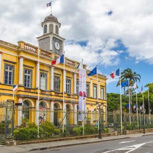 Höhepunkte La Réunion ab Küstenregion: Reunion Saint Denis Rathaus