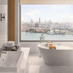AVANI+ Riverside Bangkok Hotel:  Bangkok AVANI+ Riverside Bangkok Corner Suite Badezimmer
