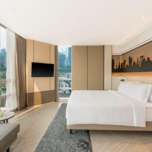 Pathumwan Princess in Bangkok:  Bangkok Pathumwan Princess Hotel Grand Deluxe Corner Zimmer