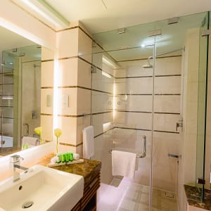 Barcelo Mussanah Resort in Küste:  Mussanah Millennium Resort Mussanah Junior Suite Badezimmer