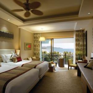 Shangri-La's Rasa Ria Resort in Kota Kinabalu:  Shangri La Rasa Ria Deluxe Meerblick Zimmer