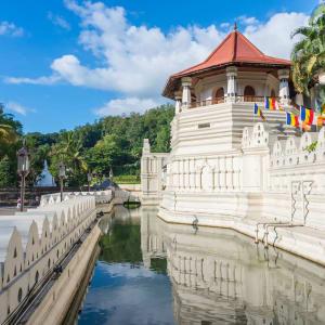 Auf neuen Wegen ab Colombo: Sri Lanka Kandy Zahntempel