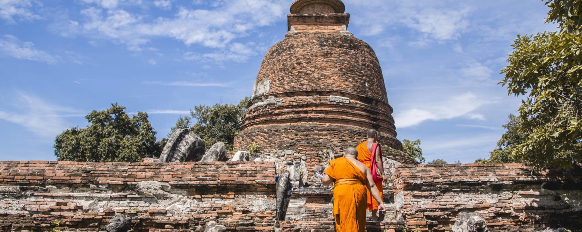 Ayutthaya & Mae Klong ab Bangkok: 1th-ayutthaya-monk-st-2016-firstyahoo