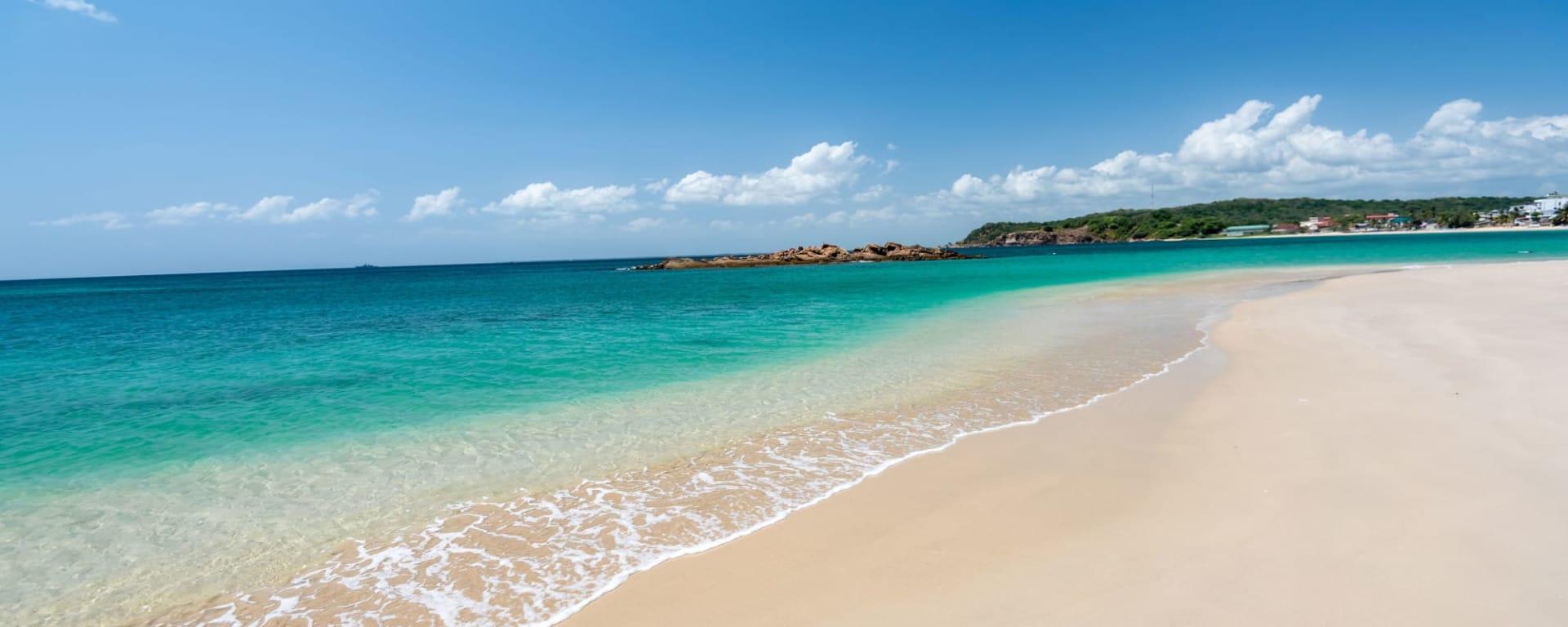 Auf neuen Wegen ab Colombo: Sri Lanka Strand Trincomalee