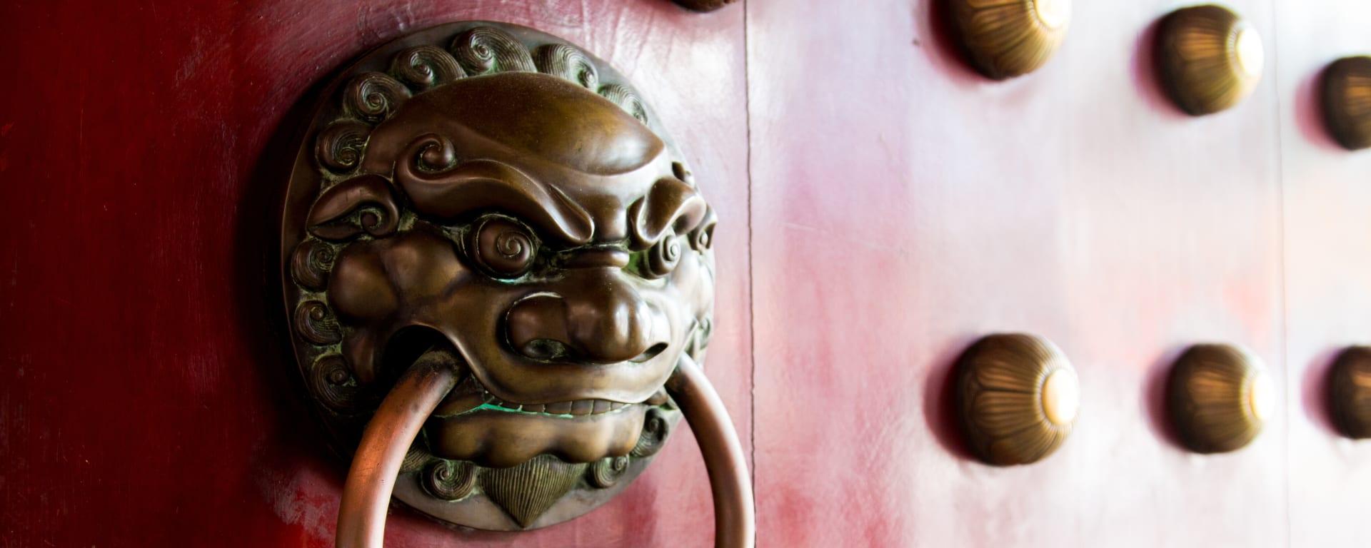 Singapur entdecken mit Tischler Reisen: Singapur Chinatown Detail Tempel